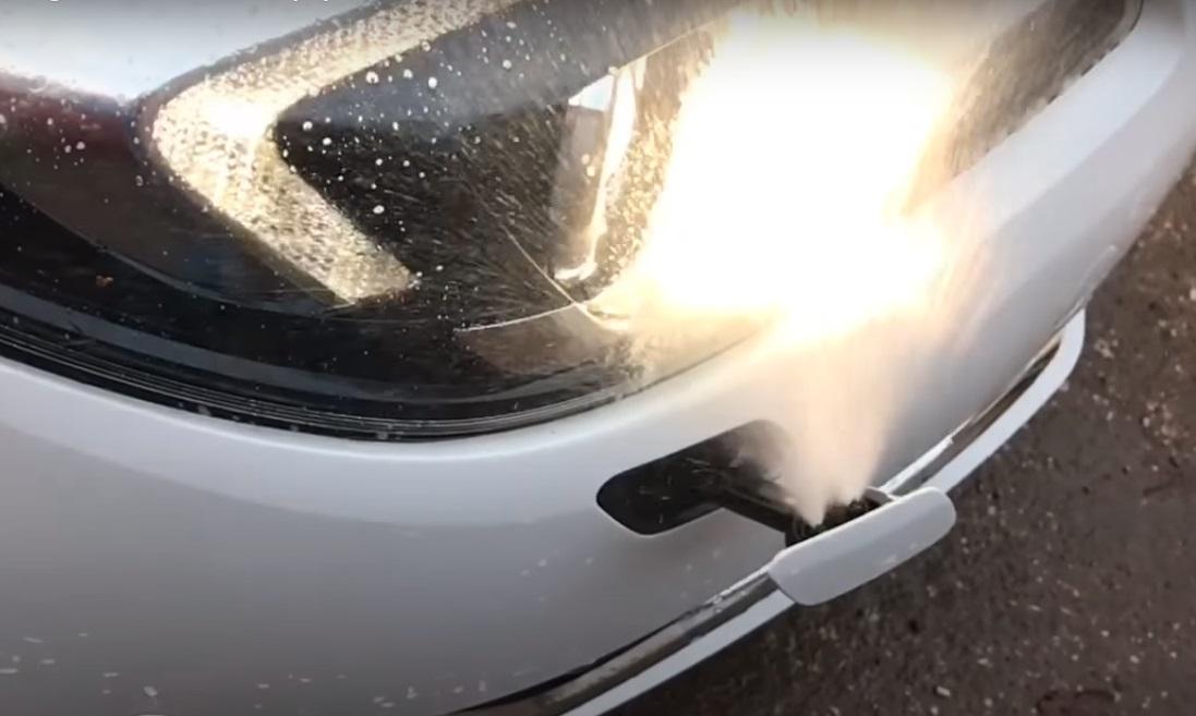 Как незамерзайка может испортить фары автомобиля