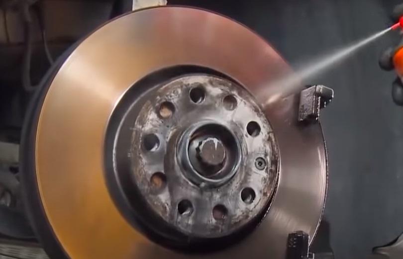 Как выбрать очиститель для монтажа и демонтажа деталей при ремонте